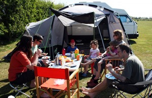 Dining al fresco at Fakenham Fairways Campsite.