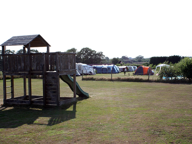 Fakenham Fairways campsite in the sunshine.